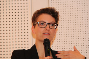 """Dr. Johanna Possinger ist Leiterin der Fachgruppe """"Familienpolitik und Familienförderung"""" beim Deutschen Jugendinstitut in München"""
