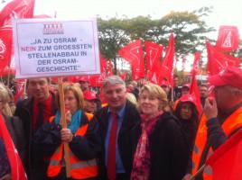 Die Augsburger Abgeordneten beim Protest