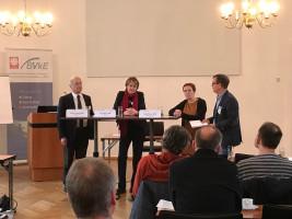 Martin Patzelt, Ulrike Bahr und Katja Dörner im Gespräch mit Stephan Hiller vom BVkE