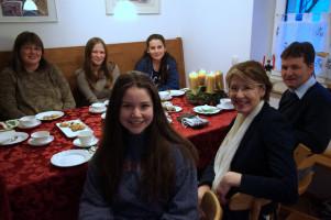 Adventskaffee mit amerikanischer Austauschschülerin