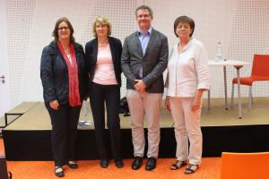 Podiumsteilnehmer der Veranstaltung (v.l.n.r.): Kerstin Griese, MdB, Ulrike Bahr, MdB, Dr. med Josef Fischer sowie Renate Flach