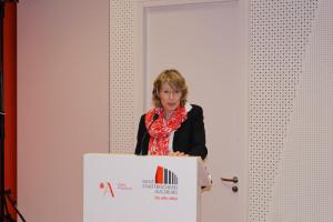 Begrüßung und einer thematischen Einführung durch Ulrike Bahr, MdB