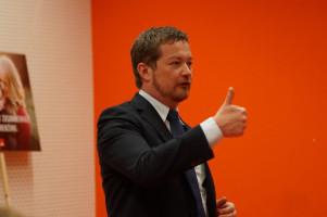 """MdB Uli Grötsch: """"Mit der SPD wird es keine noch schärferen Gesetze geben, weil wir bereits die schärfsten Anti-Terror-Gesetze haben."""""""