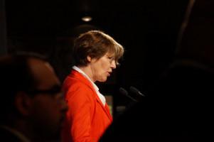 MdB Ulrike Bahr begrüßte als Vorsitzende der Augsburger SPD.