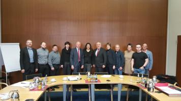 Staatssekretär Matthias Machnig (6. von rechts) hatte die Gäste zum Gespräch geladen.