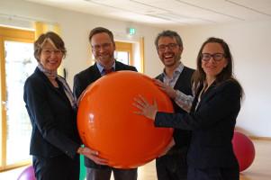 Von links: MdB Ulrike Bahr, Geschäftsführer Christoph Köpf, Klinikleiter Markus Erhart und die stellvertretende Klinikleiterin Ramona Schwärzler