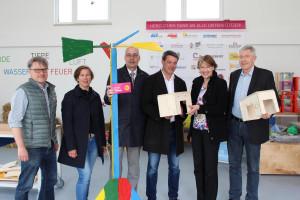 Von links: Dr. Bert Stegmann, Geschäftsführer des Kinderzentrums, Silke Voglmaier vom Kreis der Aktiven, Dr. Markus Deurer und Prof. Klaus Meier vom Fördervereins, MdB Ulrike Bahr, Rüdiger von Petersdorff (KJF)