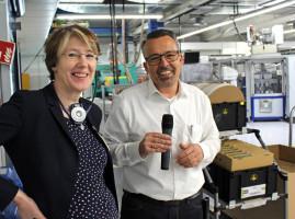 MdB Ulrike Bahr und Produktionsleiter Leonhardt Falger