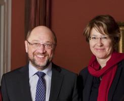 Mit dem SPD-Parteivorsitzenden und Kanzlerkandidaten Martin Schulz. Foto: Mark Fernandes, MdB-Büro Florian Post