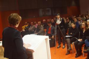 Rund 120 Zuhörer waren in die Neue Stadtbücherei gekommen.