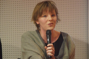 Anna Rasehorn studiert Jura und sitzt für die SPD im Augsburger Stadtrat.